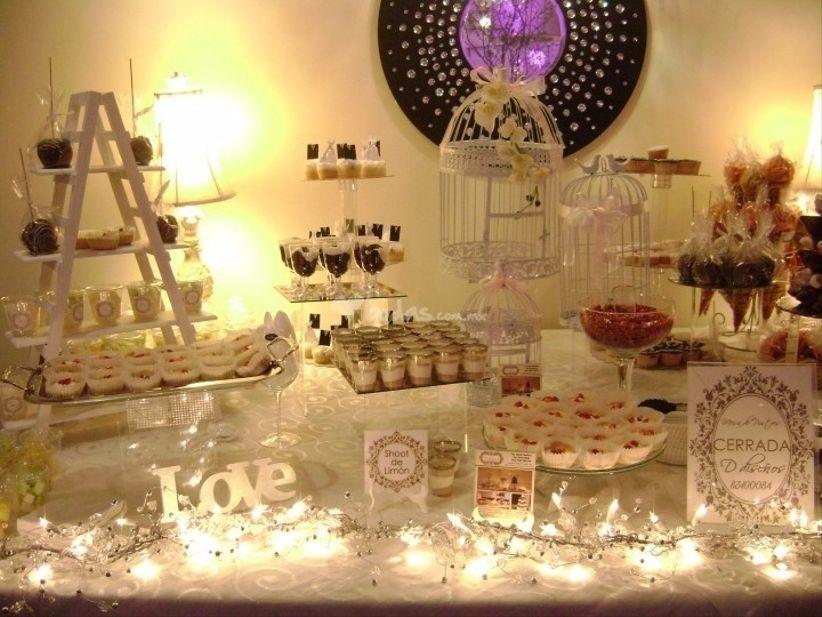 Ideas para decorar una mesa de dulces for Mesas de dulces para bodas precios