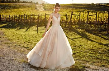 50 vestidos de novia en nude, la competencia del blanco nupcial
