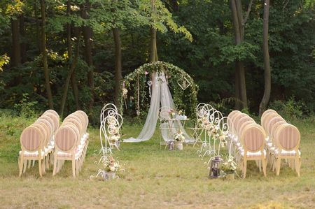 15 ideas para decorar un altar al aire libre