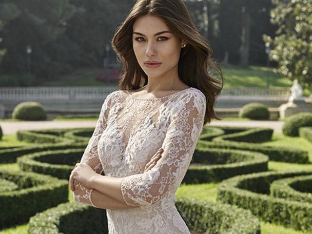 Los 30 vestidos de novia Adriana Alier 2018 que no te puedes perder