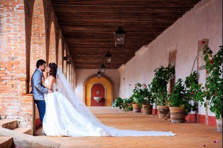 Marco y Lore: una boda con los colores de la ilusión