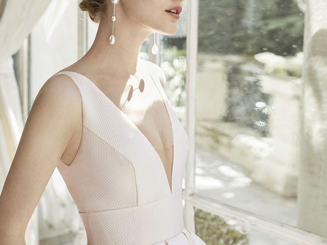 199 vestidos de novia con escote en V: volumen, vanguardia ¡y vértigo!