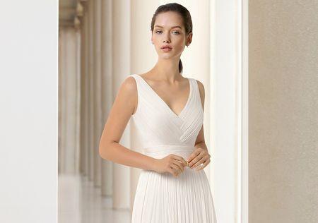 35 vestidos de novia plisados: ¡un clásico que nunca se va!