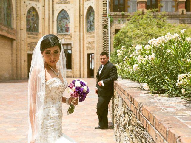 Lila y blanco: los colores de la boda de Héctor y Kassandra