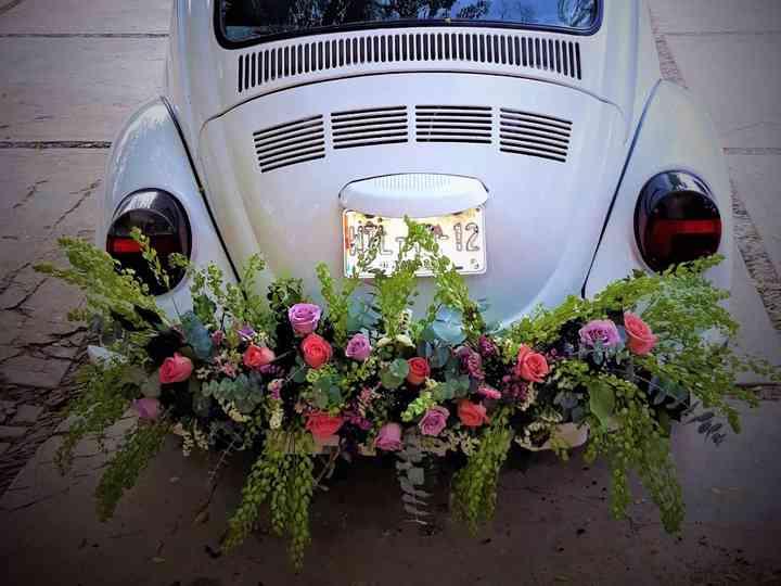 15 ideas para decorar el auto de bodas: ¡preparen su llegada!