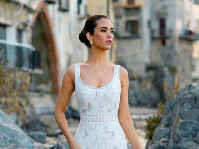 50 vestidos de novia con escote redondo para looks sencillos y joviales