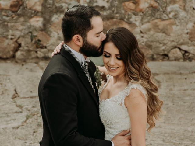 8 poemas de autores latinoamericanos para su boda, ¿listos para suspirar?