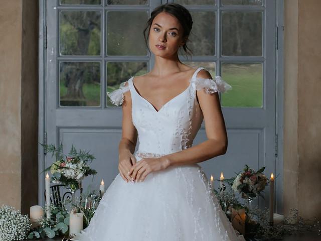 Vestidos de novia Cymbeline 2020, detalles llenos de elegancia