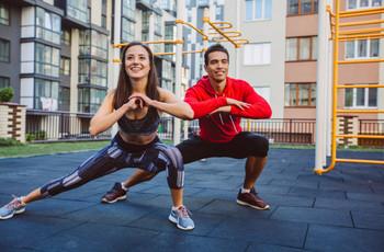 8 actividades físicas para hacer en pareja y mantenerse en forma