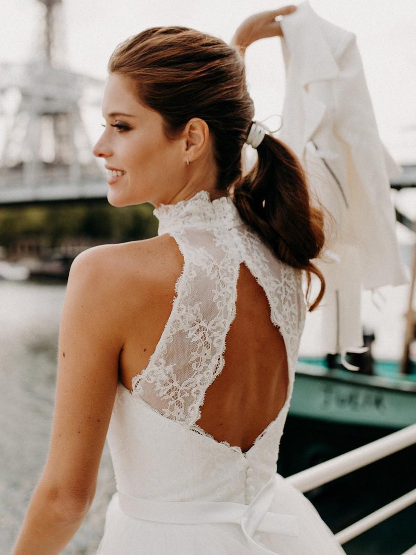 Lindo y sin esfuerzo peinados para bodas invitadas 2021 Imagen de tutoriales de color de pelo - Tendencias en peinados de novia 2021, ¡looks desenfadados ...
