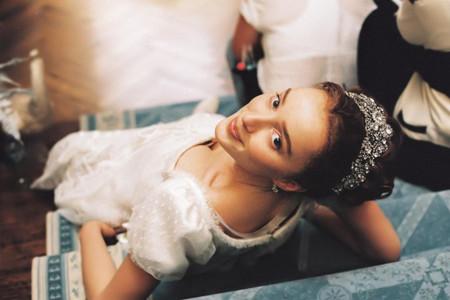 Vestidos de novia y de fiesta que te transportarán a la serie 'Bridgerton'