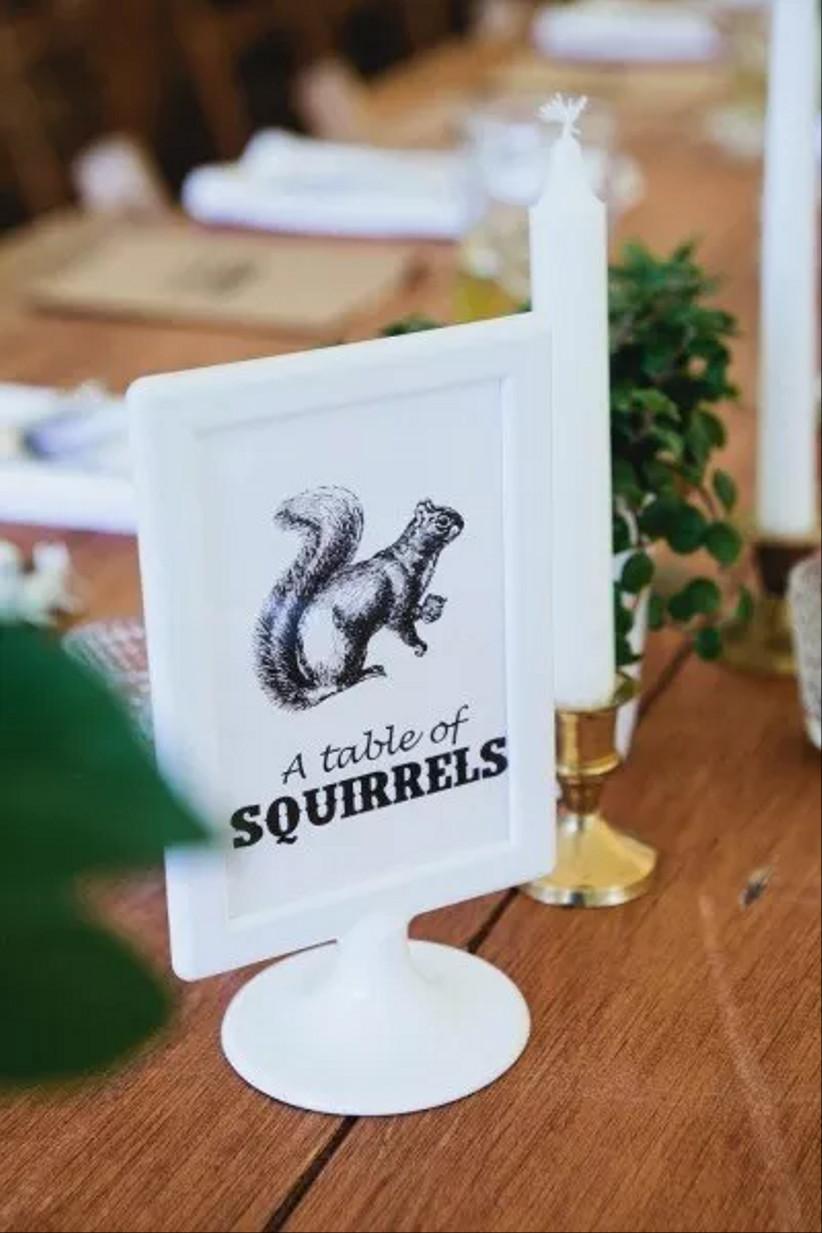 marcador de mesa original para la boda