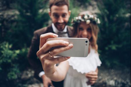 9 'selfies' de la boda que no pueden faltar en sus celulares