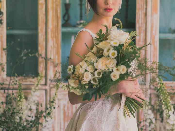 ¿Quieres un ramo de novia elegante? Así se da la mano al buen gusto