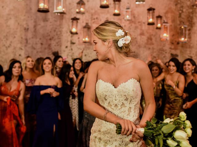 7 situaciones en las bodas que entenderán los invitados solteros