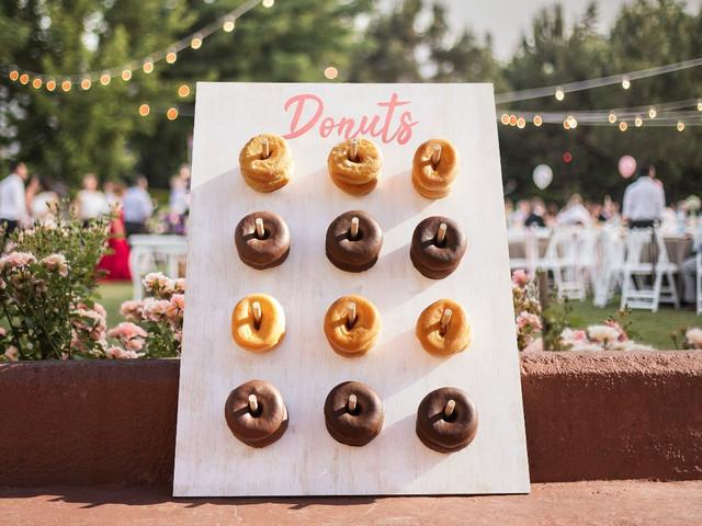 Tablero de donas: un dulce 'DIY' para un banquete de boda original