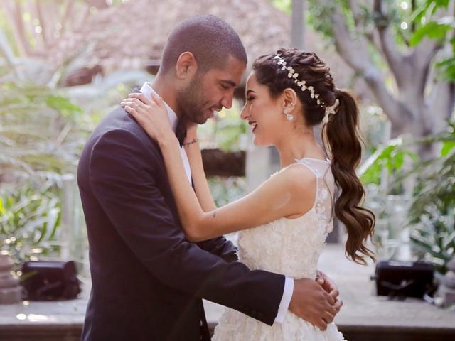 Tendencias en peinados de novia 2020: de lo desenfadado a lo adornado