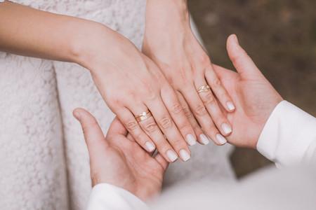 'Baby boomer': la técnica de uñas para novia que está dando de qué hablar