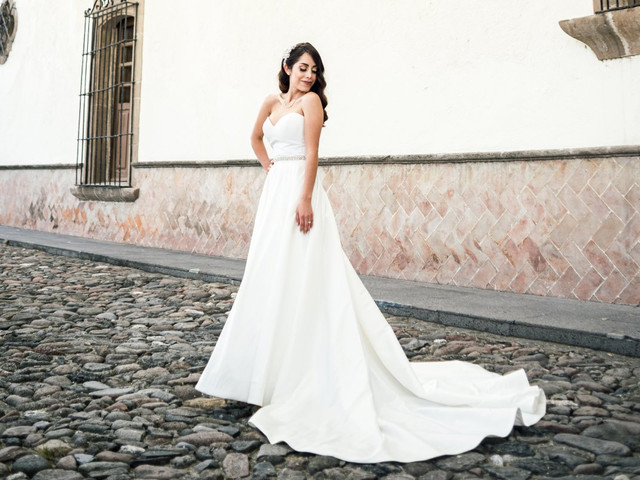 Vestidos de novia con caudas espectaculares