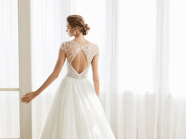65 vestidos de novia con escotes 'keyhole' en la espalda