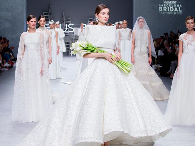 Vestidos de novia Jesús Peiró 2020: elegancia y sobriedad