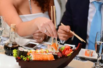 Sushi en la boda, una opción de menú original y deliciosa