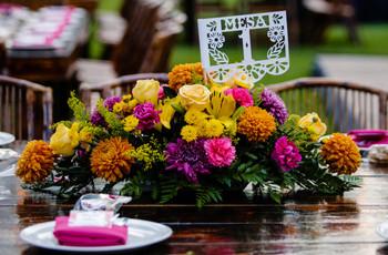 Decoración floral con dalias, todo sobre la flor nacional de México