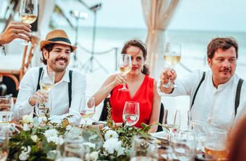 Cómo hacer que sus invitados socialicen: 5 ideas para romper el hielo