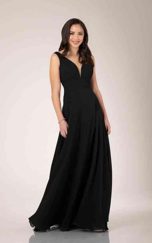 vestido negro de fiesta corte en a con escote en V