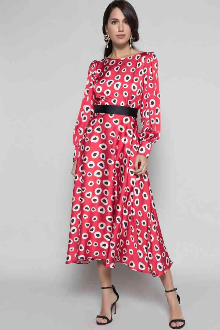 vestido rojo de fiesta largo midi con cinturón negro