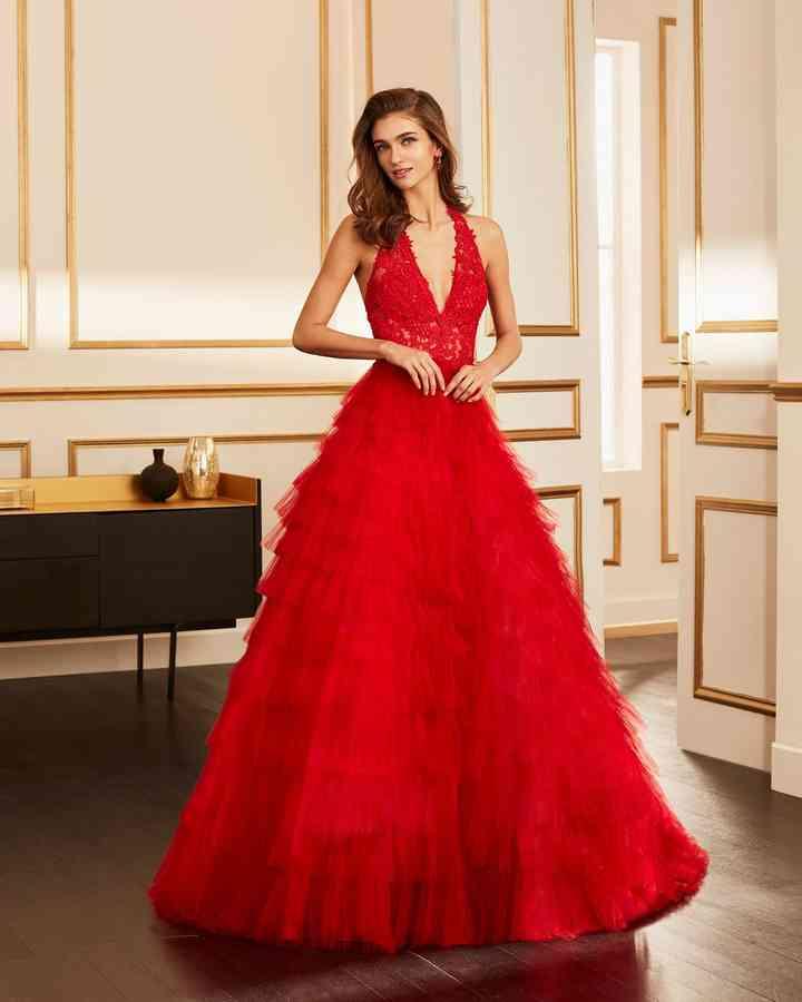 vestido de fiesta rojo para boda con volumen