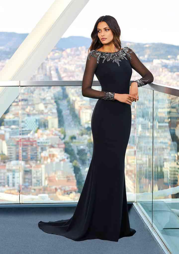 vestido de fiesta negro con manga larga y brillantes