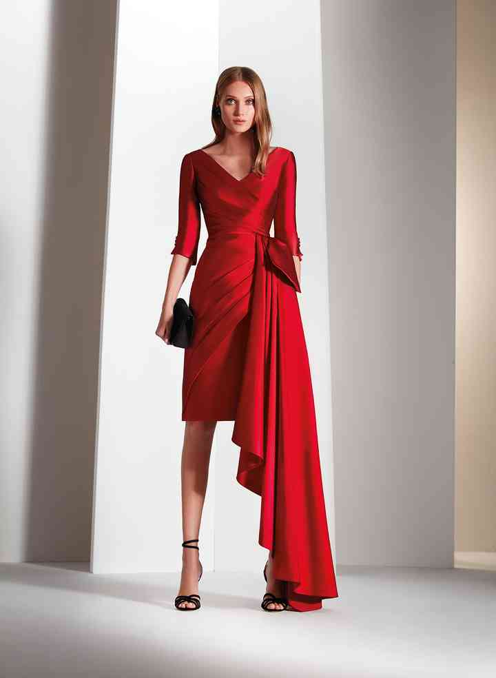 vestido de fiesta rojo moderno