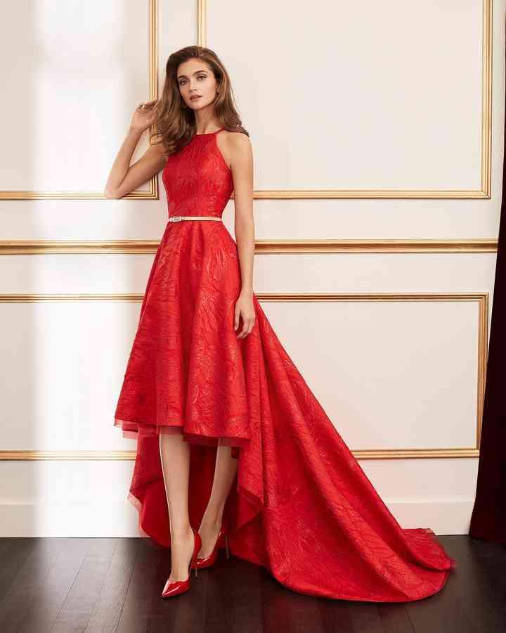 vestidos de fiesta rojos asimétrico y cuello halter