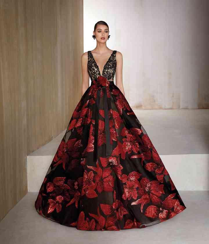 Vestido estampado rojo y negro para fiesta de boda