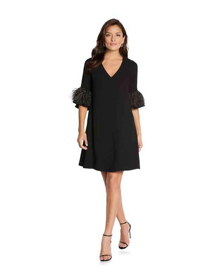 vestido de fiesta negro corto con manga tres cuartos y escote en V