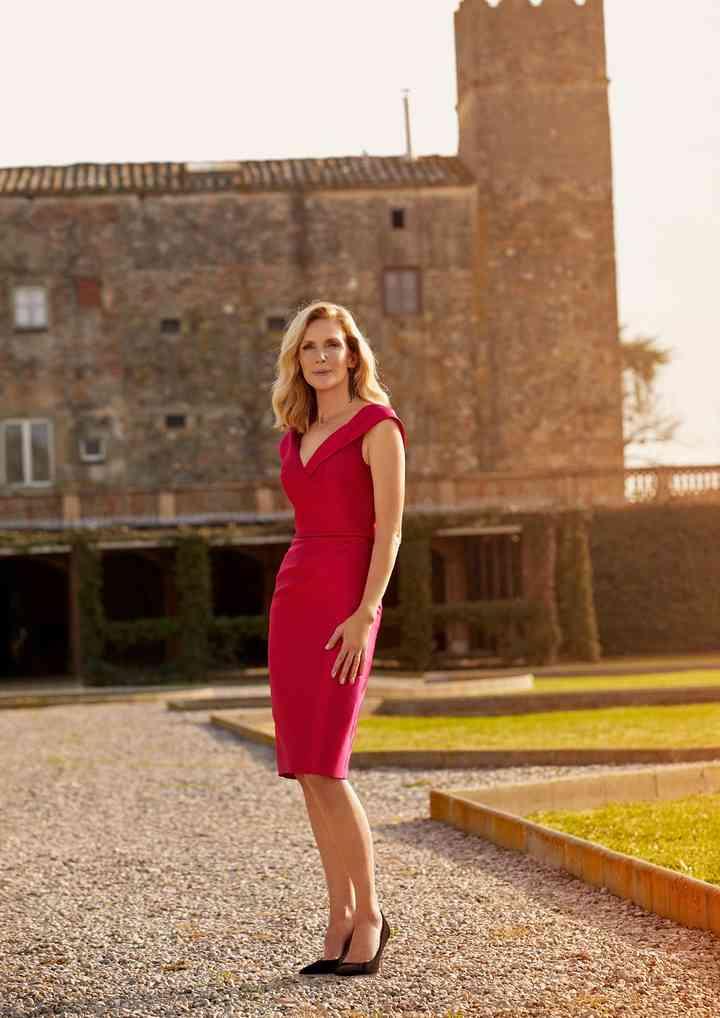 vestido midi rojo corto para boda aire libre