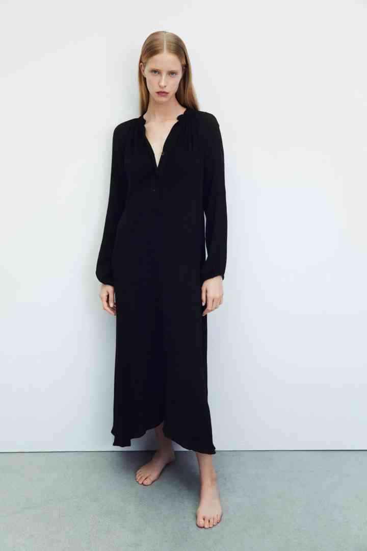 vestido largo negro para fiesta corte recto con manga larga y escote en v