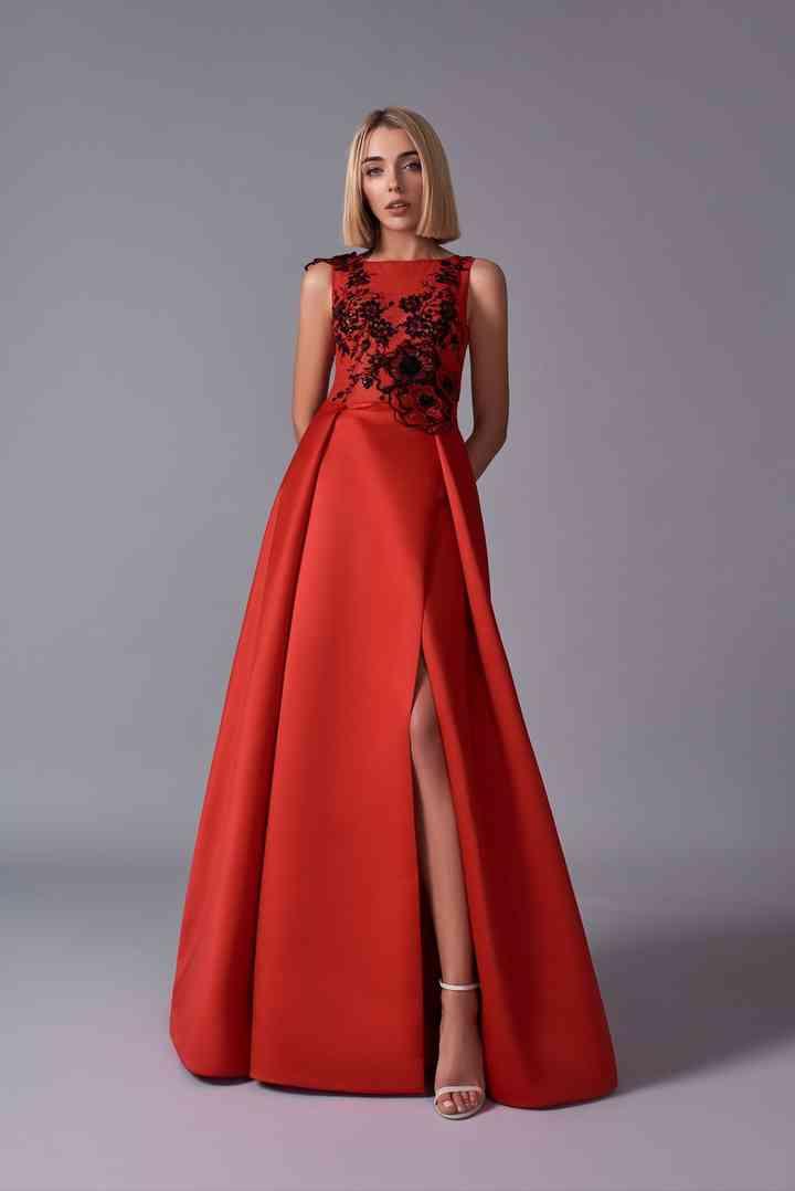 vestido rojo para fiesta escote en la pierna