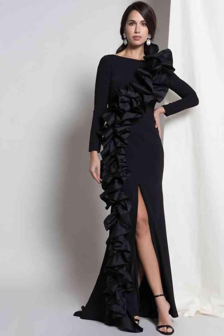 vestido negro de fiesta largo con mangas largas