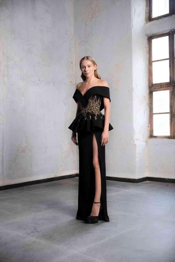 vestido negro de fiesta con brillo y holanes