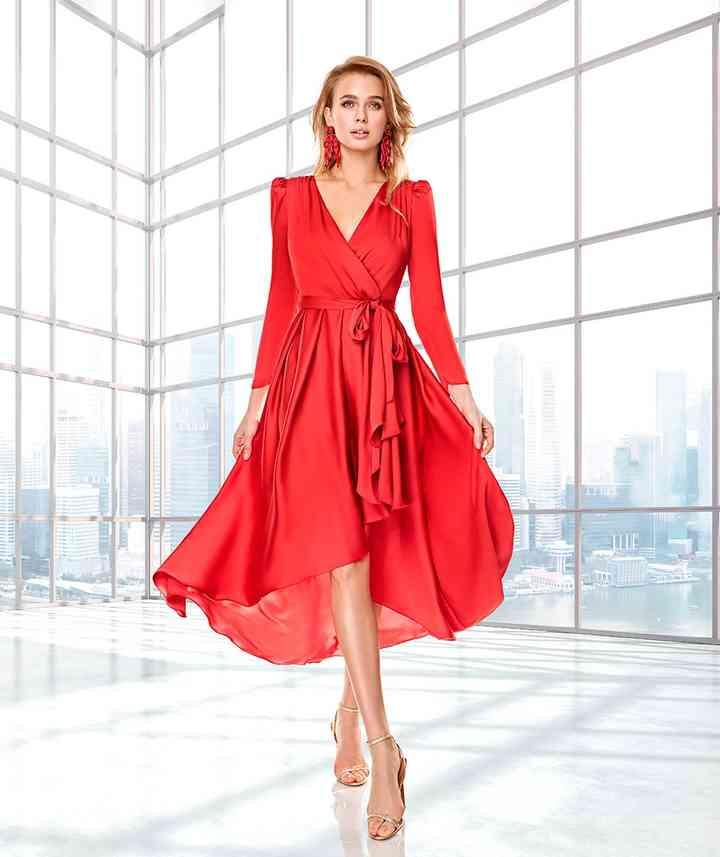 elegante vestido rojo para fiesta de boda