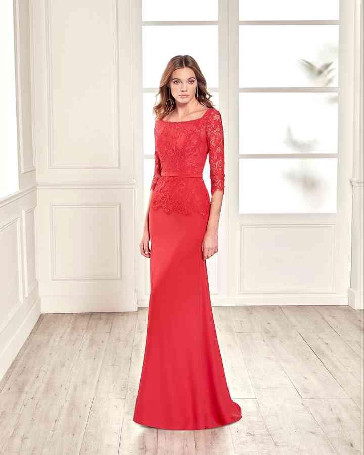 vestido largo rojo de fiesta con manga corta