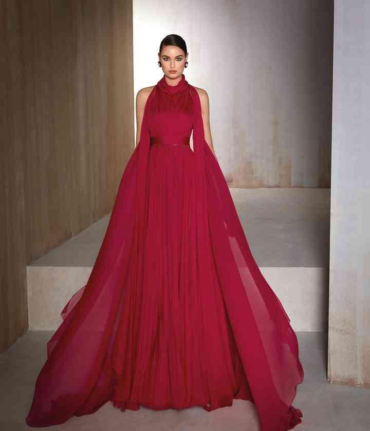 vestido de fiesta rojo borgoña estilo princesa