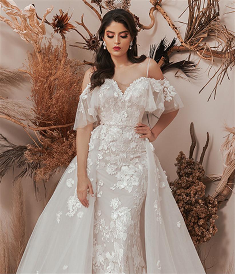 vestido de novia desmontable con manga tipo mariposa