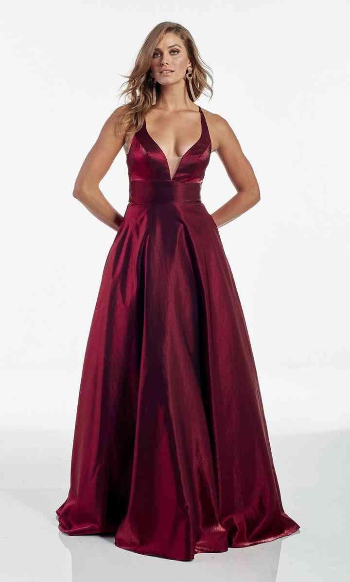 vestido de color rojo oscuro