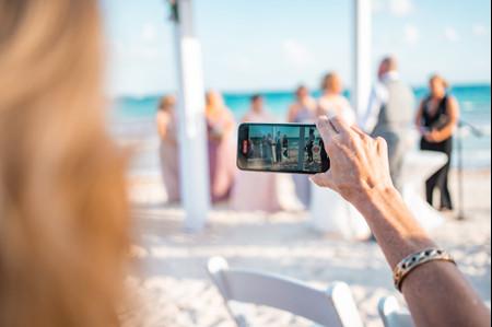 Invitados virtuales de boda: ¡5 ideas para incluirlos!