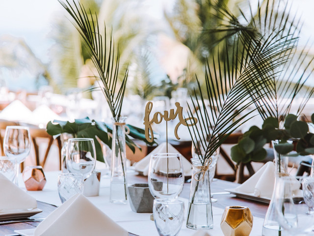 8 ideas para decorar la boda con cristal, ¿cuál es su preferida?