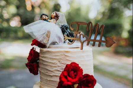6 recomendaciones para el 'cake topper' de su pastel de boda