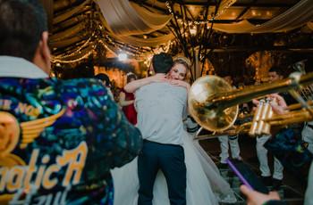 30 canciones románticas de banda para la boda, que suene la música